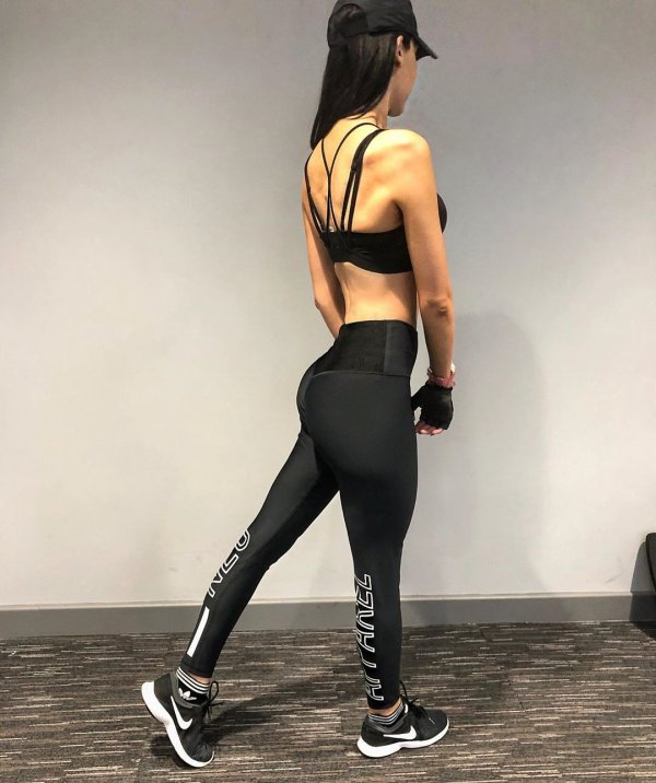 Ребекка Алдам занимается спортом