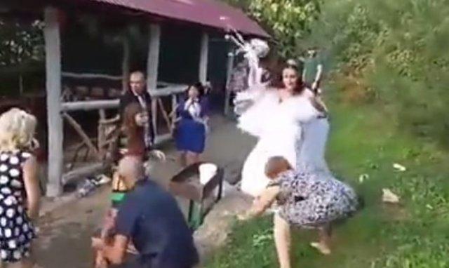 Пожалуй, самая эпичная свадьба