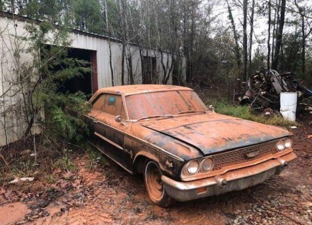 Ford Galaxie 1963 года