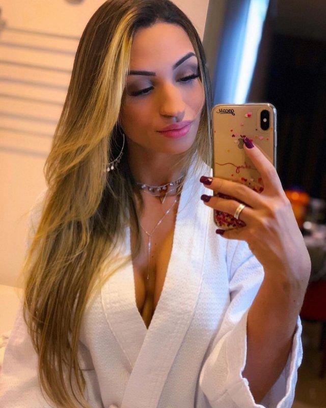 Шайен «shAy» Викторио в белом халате
