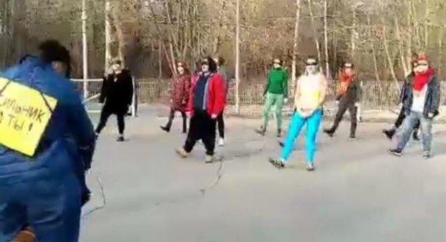 странный танец феминисток