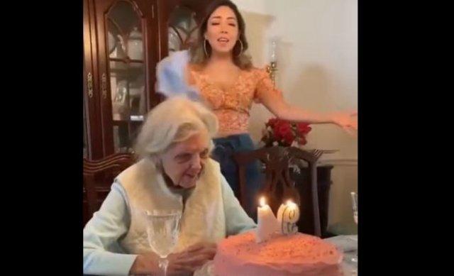 Бабуля, которой жизнь уже совсем надоела