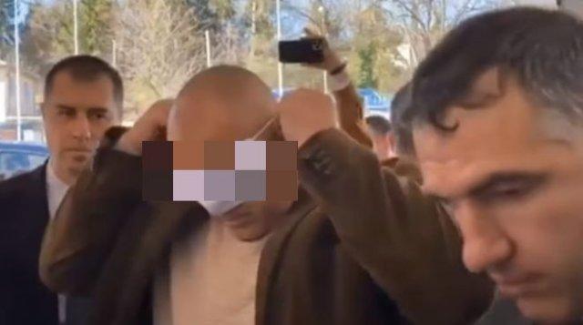 Болгарский премьер Бойко Борисов рассмешил пользователей Сети конфузом с медицинской маской