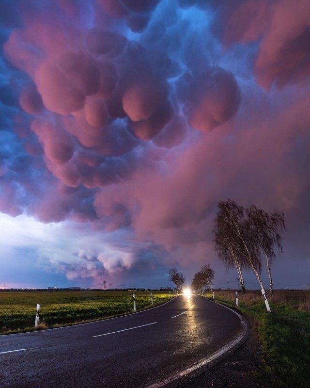 Двояковыпуклые облака перед штормом