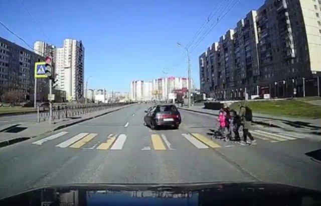 Когда плевать на людей, переходящих дорогу