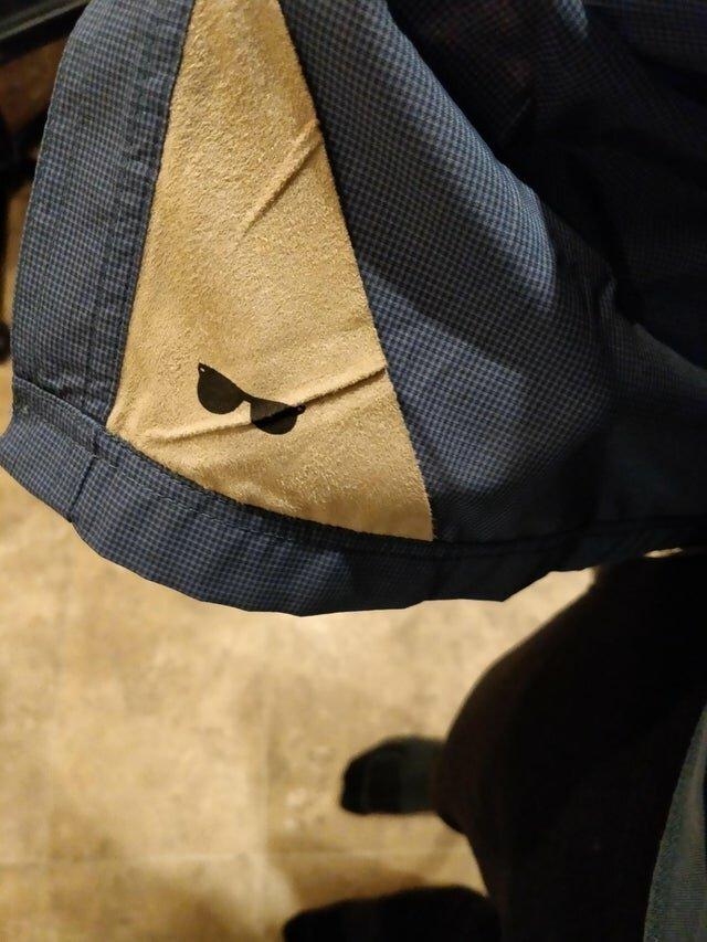 Специальная ткань для протирки очков в куртке