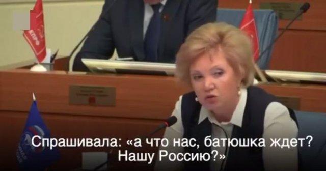 Главный врач больницы им. Виноградова Ольга Шарапова советуется со старцами
