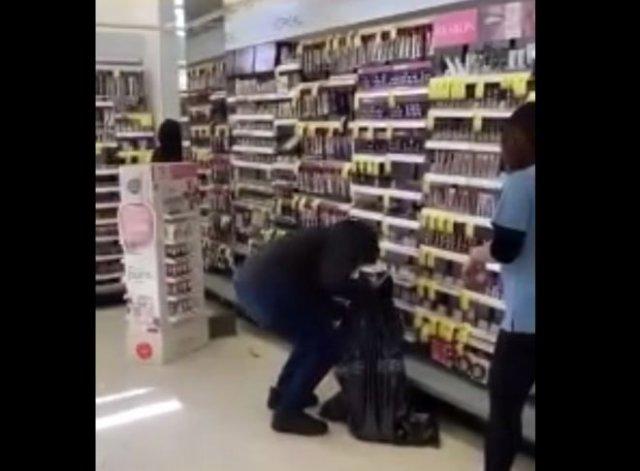 В Калифорнии «разрешили» грабить магазины
