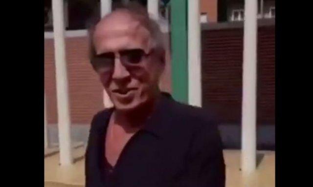 Адриано Челентано танцует