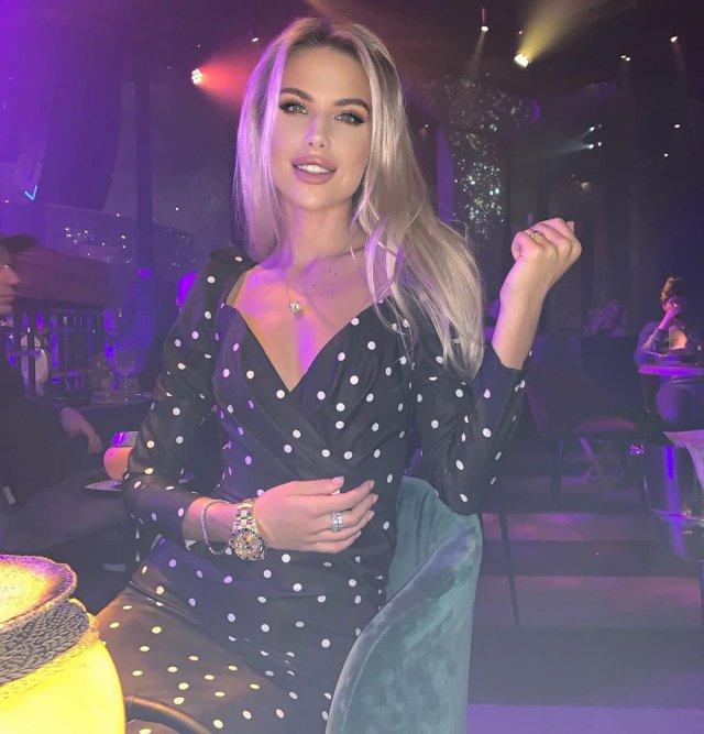 Екатерина Дорожко – жена бразильского футболиста Луиса Адриано