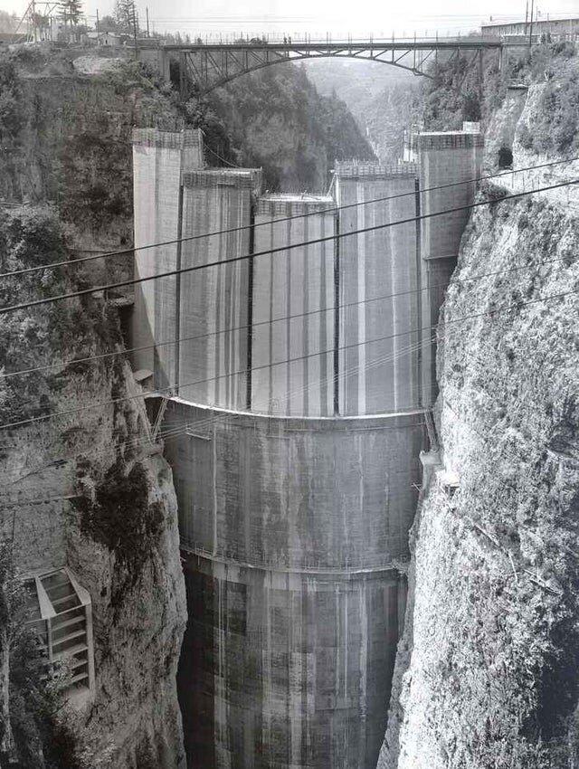 Строительство плотины Святой Иустины