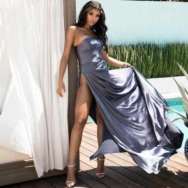 Платья с высокими разрезами