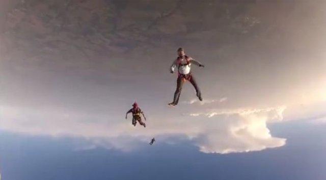 Спасение парашютиста, потерявшего сознание
