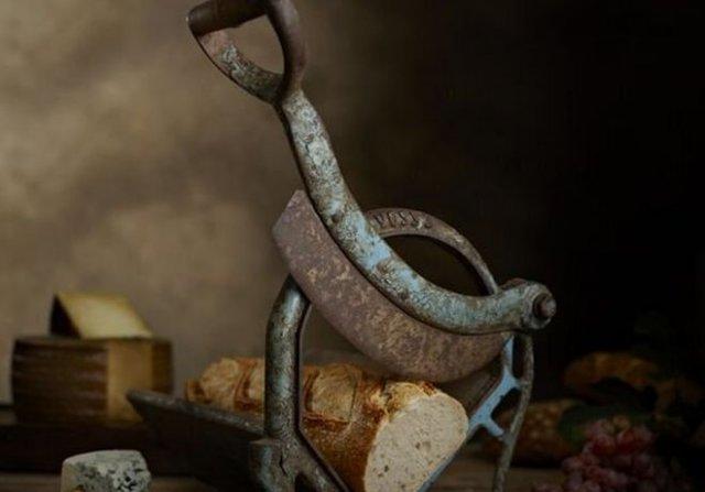 Старый резак для хлеба