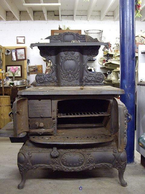 Раньше кухонные плиты выглядели иначе