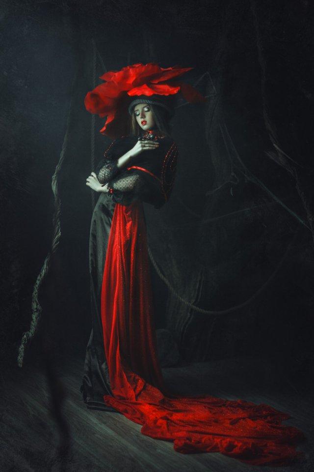 Фотограф создает сказочные кадры с настоящими декорациями
