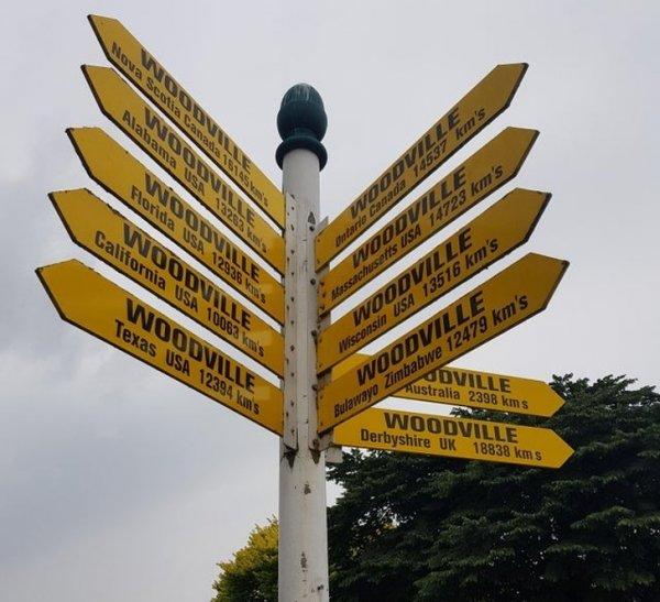 Знак в новозеландском городе Вудвилль