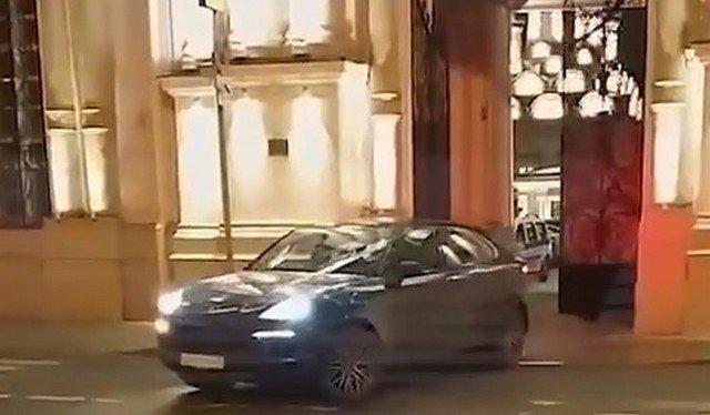 Иван Охлобыстин приехал на тайную пасхальную vip-службу и напал на журналистку