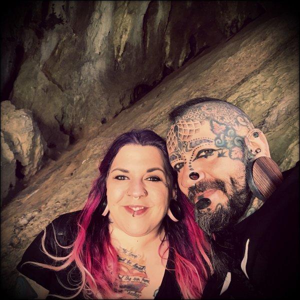 Пол Мэтью с женой