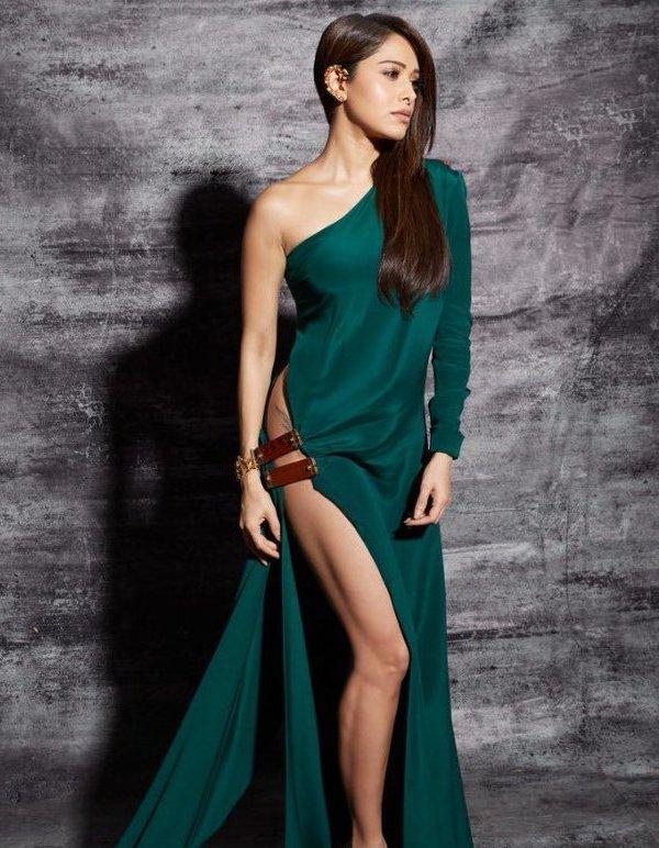 Платья с высокими разрезами. Часть 5