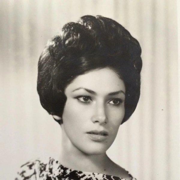 Тут моей бабушке 16 лет, фото сделали в Мексике
