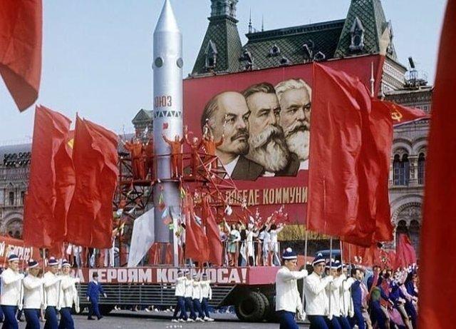 Фотографии с празднований Первомая времен СССР