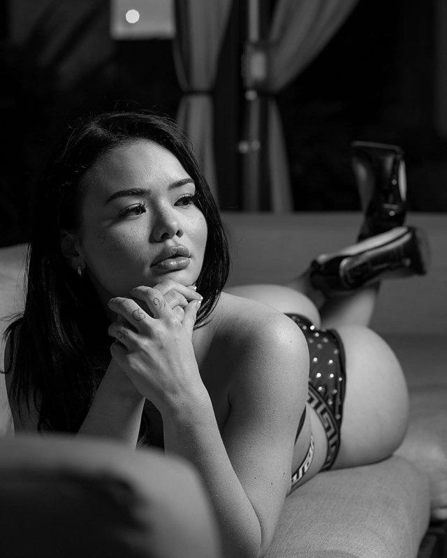 Джессика Санок – набожная модель, которая не стесняется своего тела