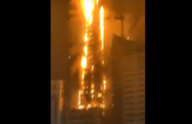 В городе Шарджа в ОАЭ загорелся 47-этажный небоскреб
