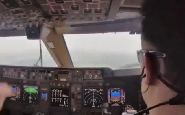 Турбулентность и посадка глазами пилота Boeing 747