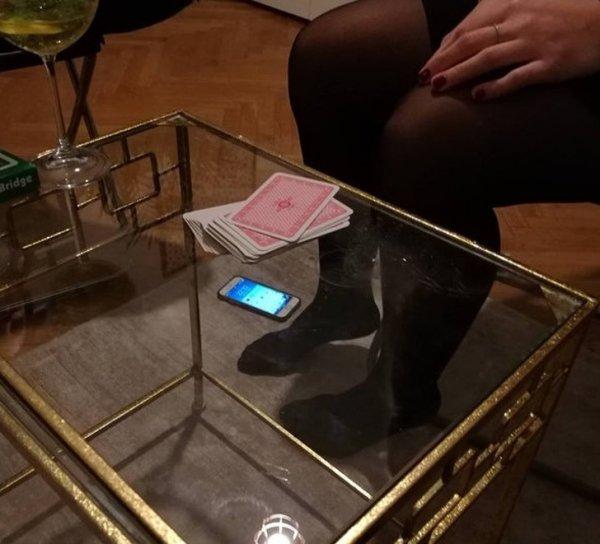 Какой... маленький смартфон