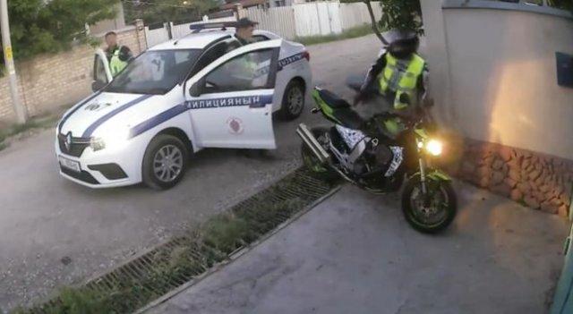 Смешной полицейский фейл в Киргизии