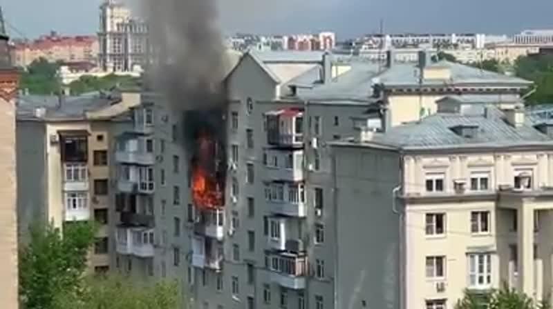 Пожар на  Фрунзенской набережной в Москве!