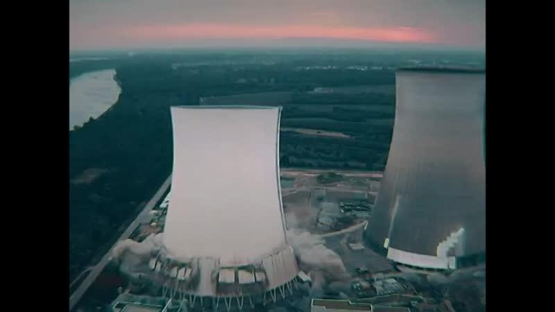 В Германии взорвали 2 башни АЭС!
