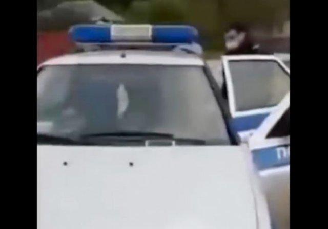 В Краснодарском крае неадекватный полицейский чуть не задушил задержанного