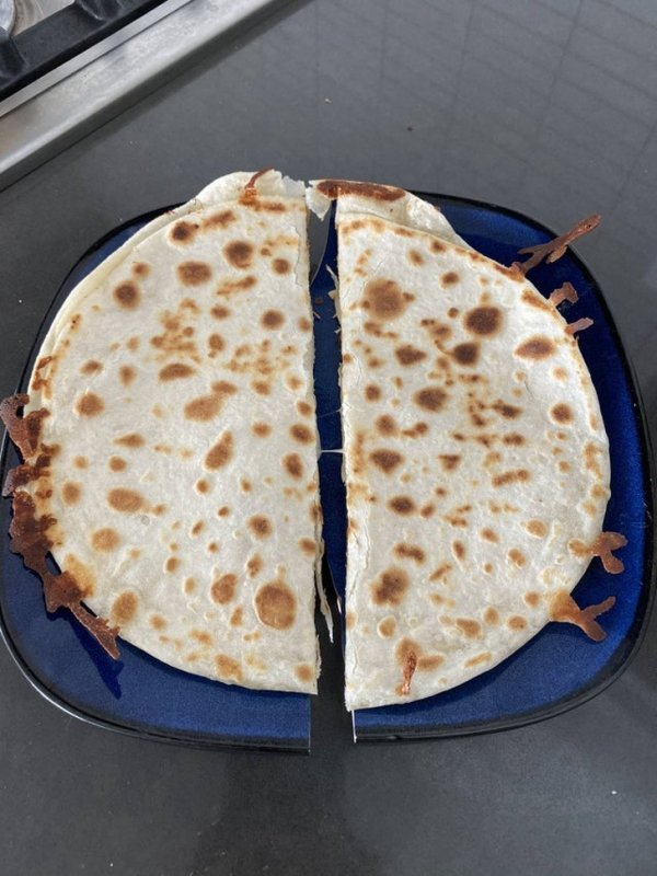 Сломанная тарелка