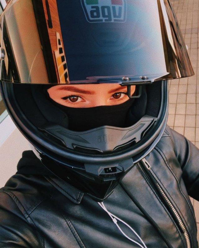 Мотогонщица Ангелина обманула смерть на скорости 190 километров в час