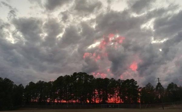 Закат, напоминающий пожар