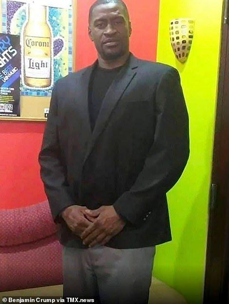 Полицейские убили темнокожего Джорджа Флойда, после чего в США начались митинги