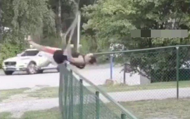 Трюкач на костылях