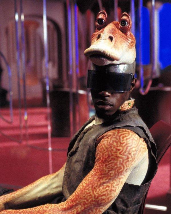 """Вот так выглядел на съемках """"Звездных войн"""" Джа-Джа Бинкс"""