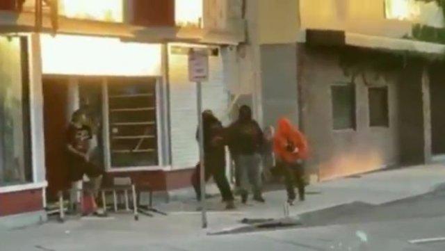 В Рочестера избили супругов, которые пытались защитить свой магазин от вандалов