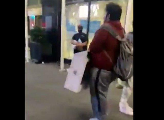 В Нью-Йорке парень украл iMac, который тут же украли у него