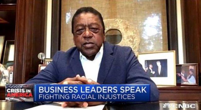 Основатель Black Entertainment Television Роберт Джонсон требует 14 трлн долларов репараций за рабст