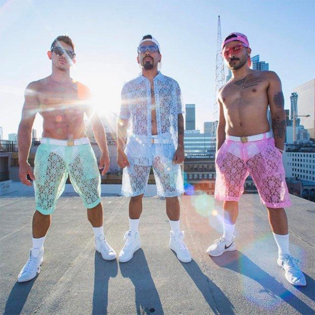 Кружевное белье Hologram City – для настоящих мужчин, которым жарко летом