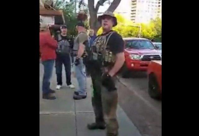 Что происходит в американских городах, где люди вооружены?