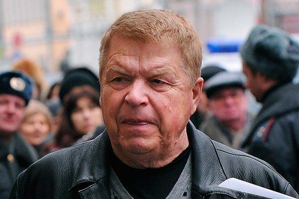 актер Михаил Кокшенов