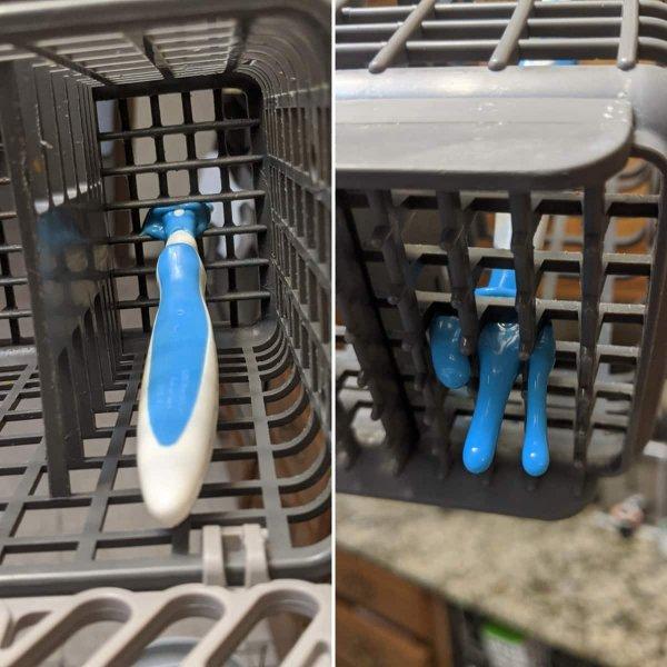 Положили детскую пластмассовую ложку в посудомоечной машине