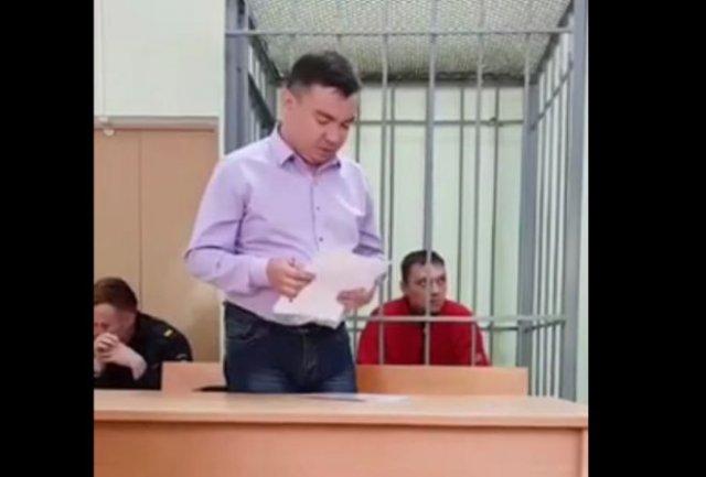 Смешной адвокат, который скорее отправит в тюрьму, чем защитит