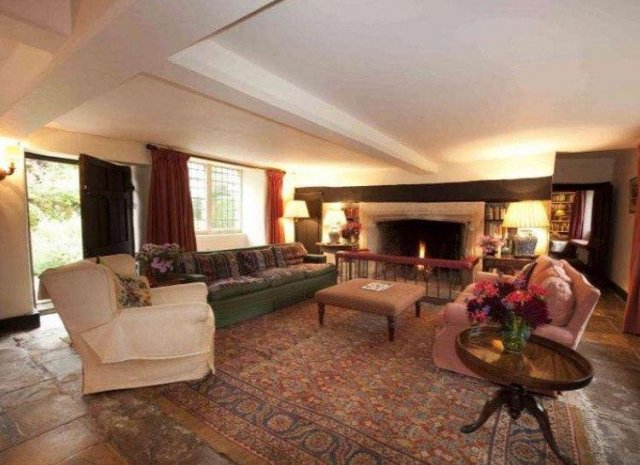 Особняк, где принц Чарльз встречался с Камиллой Паркер-Боулз, выставлен на продажу
