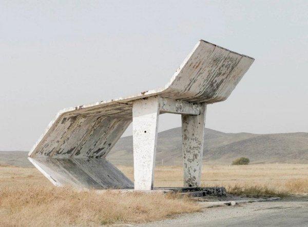 Советская автобусная остановка вдохновила пользователей на фотошоп-баттл
